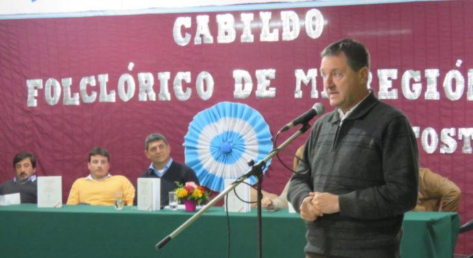 """Con la magia de la danza, el """"Cabildo Cultural Santafesino"""" pasó por Tostado"""