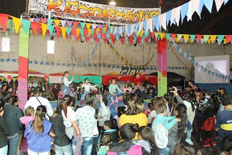 """En Tostado se presentó el espectáculo infantil: """"Rekorcholis"""""""