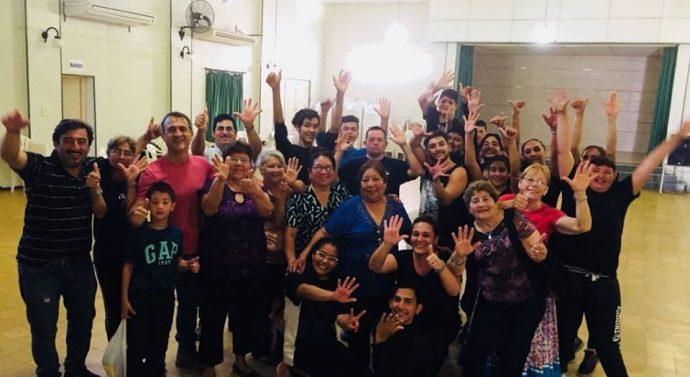 Bailarines de la Usina VI ensayan para la obra «Santa Fe de mi querer»