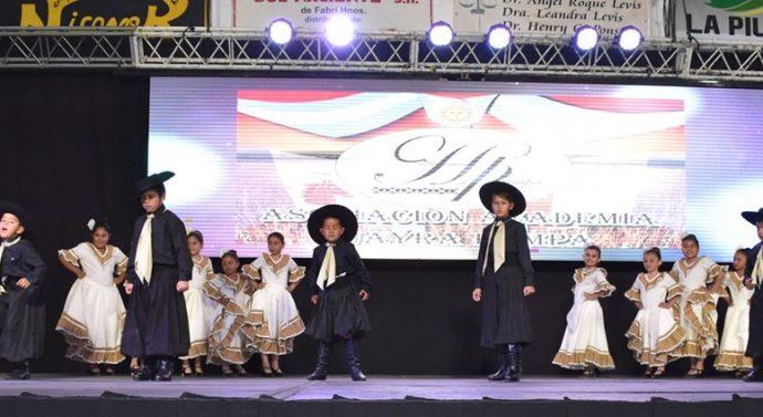 Se llevó a cabo el «16º Festival de Academias de Danzas» en Tostado