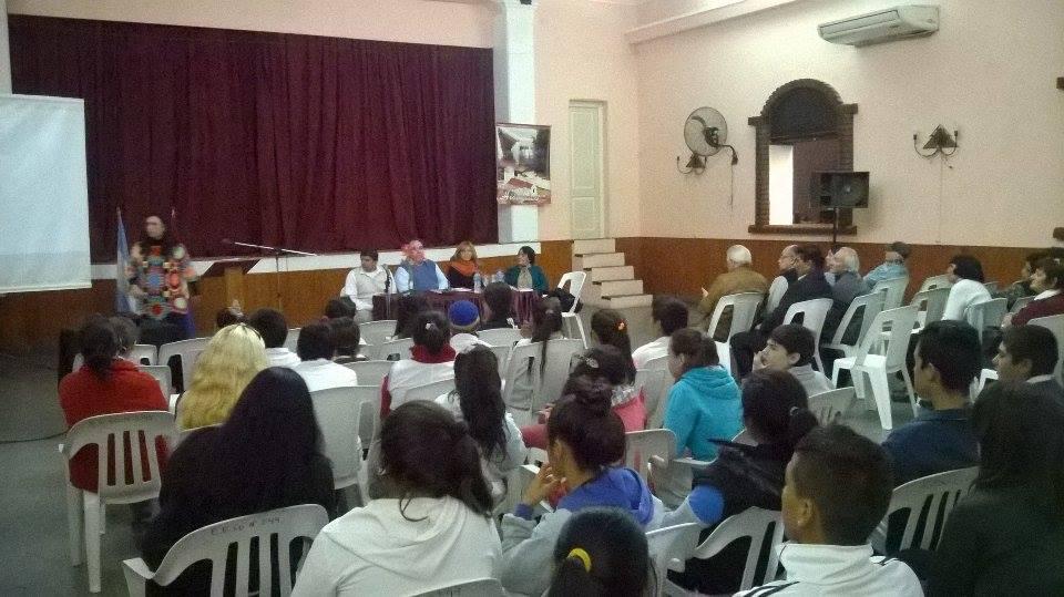 """El libro """"Esencia de mi pueblo"""" se presentó en Alejandra"""