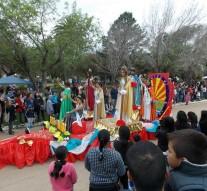 """Imponente """"Desfile Cívico"""" en la comunidad de Alejanda"""