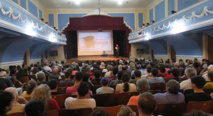 """Una multitud disfrutó de """"Los Caminos del Acordeón"""" en la ciudad de Reconquista"""