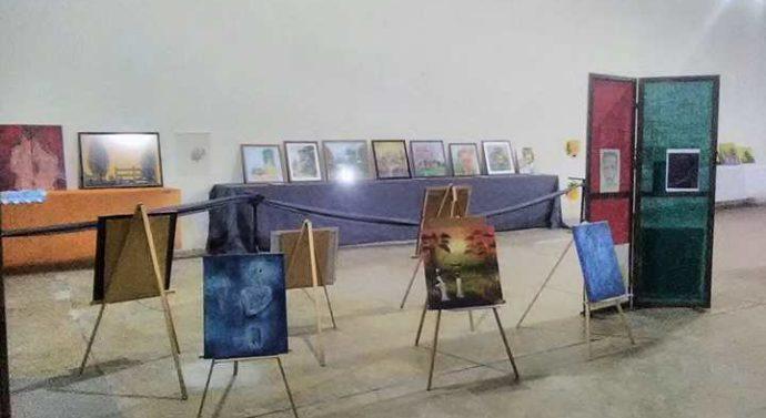 """La comunidad de Los Laureles recibió a la Muestra Plástica """"Forma y Color"""""""