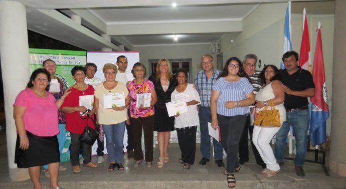 Poetas y escritores del norte santafesino recibieron sus libros en Las Toscas