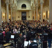 La Orquesta de Instrumentos Reciclados de Cateura (Paraguay) brilló en Reconquista