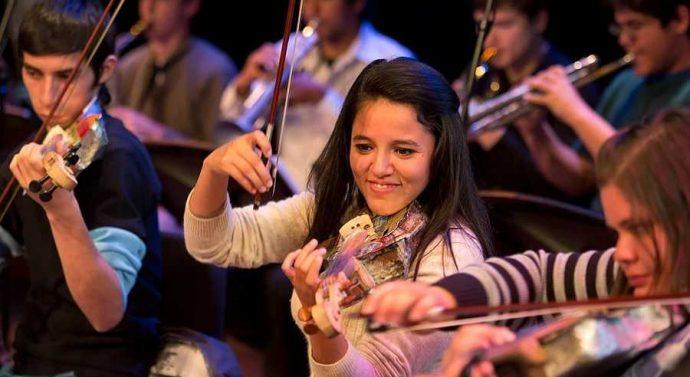 La Orquesta de Instrumentos Reciclados de Cateura (Paraguay) se presenta el 9 de julio en Reconquista